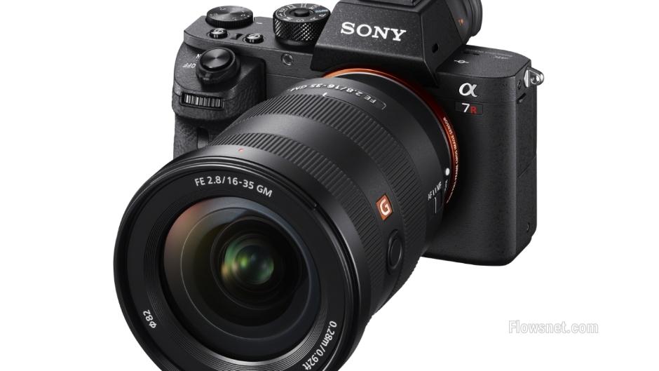 Sony izziņo divus jaunus platleņķa pilna kadra E-Mount objektīvus